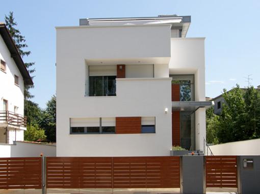 FAMILY HOUSE G